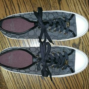 Coach Shoe size 9.5